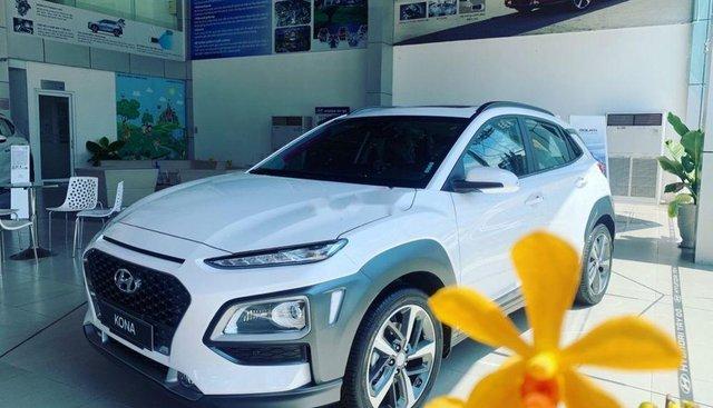 Bán ô tô Hyundai Kona đời 2019, màu trắng, nhập khẩu nguyên chiếc, giao ngay
