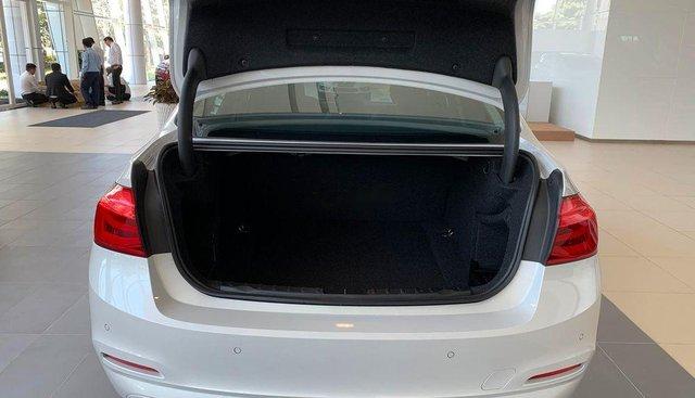 Bán BMW 320i đời 2019 sản xuất và nhập khẩu nguyên chiếc từ Đức