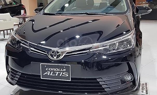 Bán xe Toyota Corolla altis 2019, màu đen, giá tốt