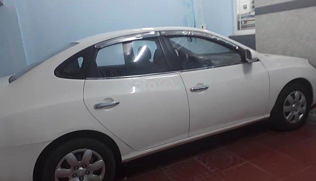 Chính chủ bán xe Hyundai Elantra sản xuất 2011, màu trắng