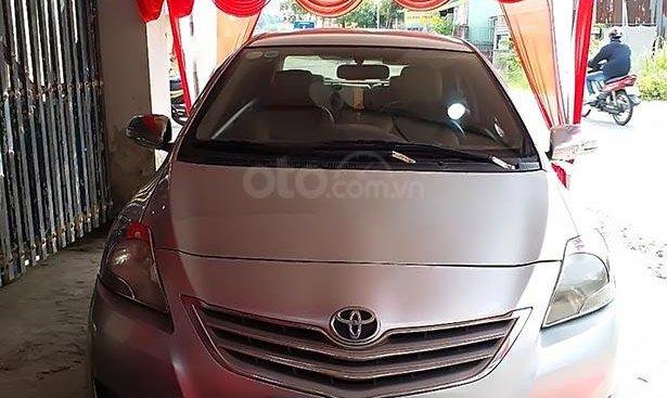 Cần tiền xây nhà bán Toyota Vios E đời 2008, màu bạc số sàn