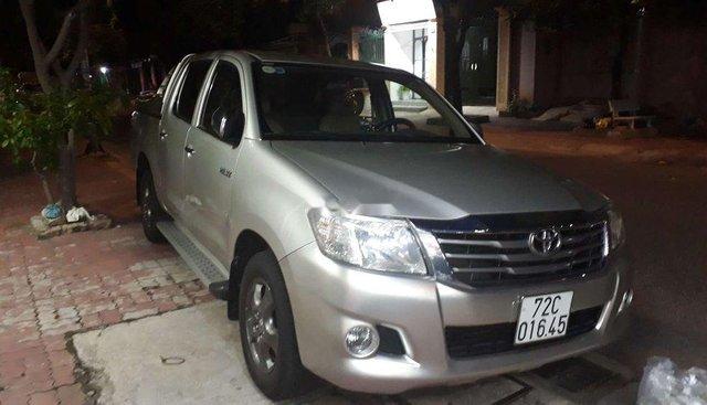 Bán Toyota Hilux đời 2012, nhập khẩu, gia đình đi rất kĩ