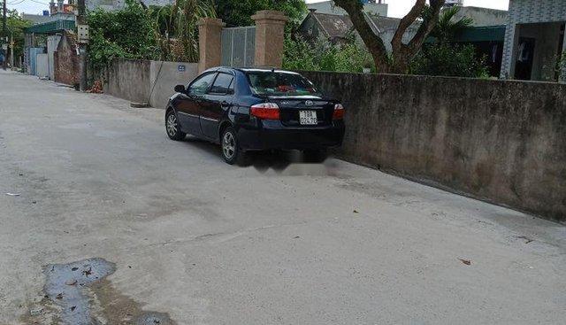 Cần bán gấp Toyota Vios 2006, màu đen, lốp đẹp, máy êm