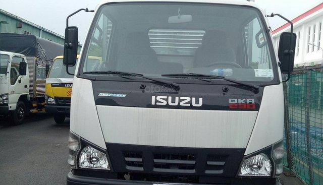 Bán xe tải Isuzu QKR230 2.4 tấn thùng kín inox, mới 2019, hỗ trợ trả góp