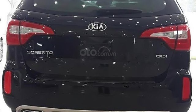 Bán xe Kia Sorento DATH sản xuất 2019, màu đen