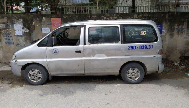 Cần bán xe Hyundai Starex sản xuất năm 2001 giá tốt