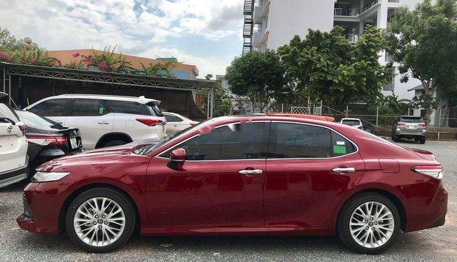 Bán Toyota Camry 2.0G đời 2019, màu đỏ, nhập khẩu, giao ngay