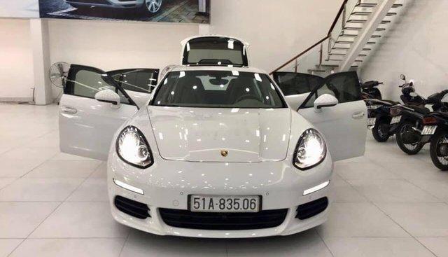 Bán Porsche Panamera 3.6L, màu trắng nội thất kem, nhập khẩu chính hãng