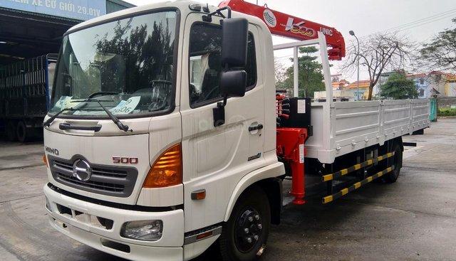 Cần bán xe tải cẩu Hino FC 9JLTC 2019, màu trắng