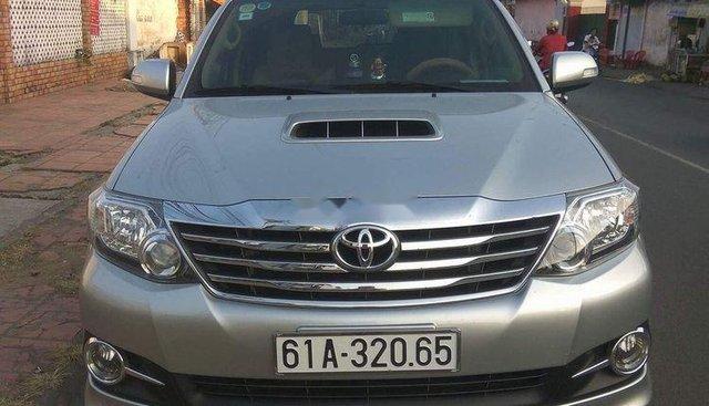 Chính chủ bán gấp Toyota Fortuner đời 2014, màu bạc, xe nhập