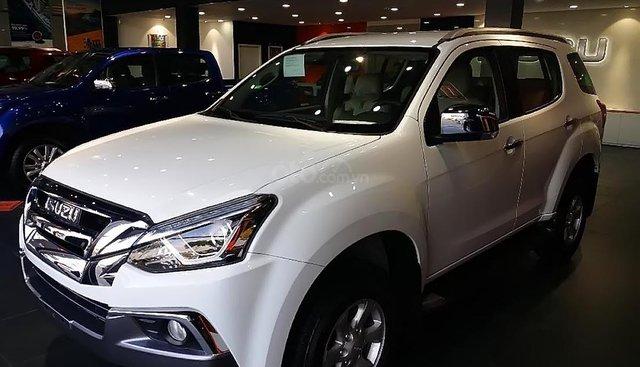 Bán xe Isuzu mu-X 1.9 4X2 MT sản xuất 2019, màu trắng, nhập khẩu, 800tr