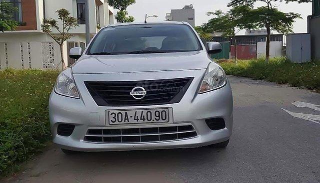 Cần bán lại xe Nissan Sunny XL đời 2014, màu bạc số sàn