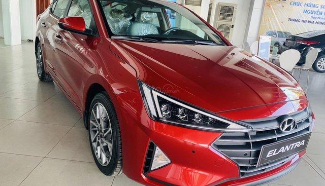 Hyundai Elantra 2019 giá khuyến mãi, xả tồn kho cam kết giá tốt nhất miền Nam. LH 0934545215
