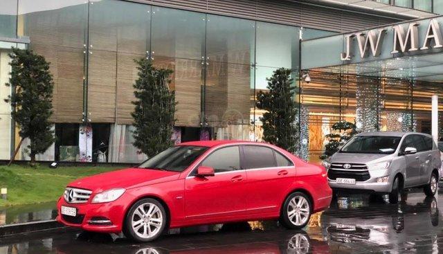 Cần bán Mercedes C200 đời 2011, màu đỏ chính chủ
