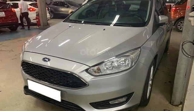 Bán ô tô Ford Focus Trend năm sản xuất 2017, màu bạc