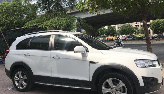 Cần bán Chevrolet Captiva LTZ đời 2015, màu trắng