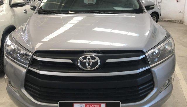 Bán Toyota Innova E năm sản xuất 2017, màu bạc