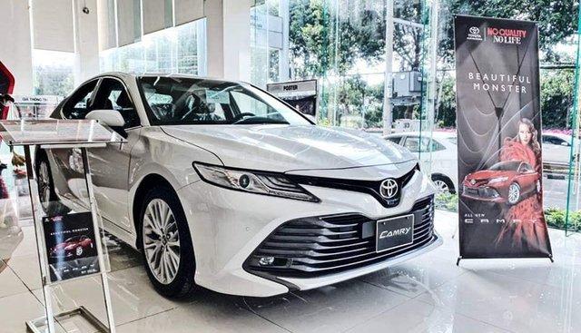 Bán Toyota Camry 2019, bản 2.5Q, chỉ với 330 triệu nhận xe mới 100%