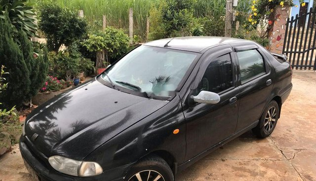 Cần bán gấp Fiat Siena sản xuất năm 2001, màu đen, nhập khẩu