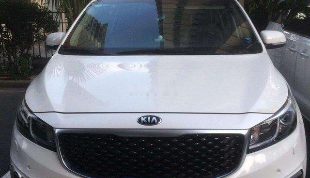 Cần bán xe Kia Sedona năm sản xuất 2016, màu trắng, nhập khẩu nguyên chiếc