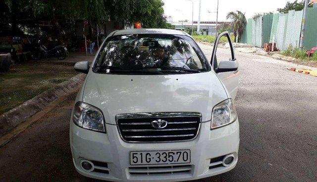 Bán xe Daewoo Gentra đời 2009, màu trắng, nhập khẩu xe gia đình
