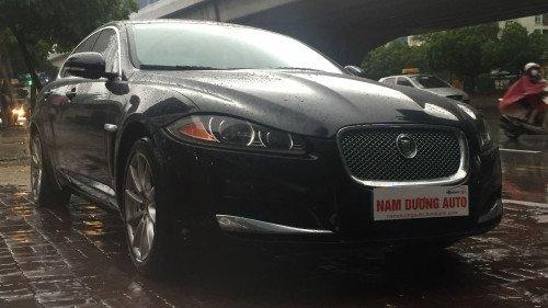 Bán Jaguar XF 2.0 AT sản xuất năm 2013, màu đen, nhập khẩu nguyên chiếc