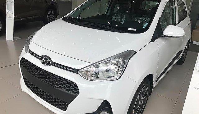 Bán Hyundai Grand i10 AT sản xuất 2019, màu trắng, mới 100%