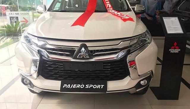 Bán Mitsubishi Pajero Sport 2.4D 4x2 MT, xe mới giảm giá mạnh, tiết kiệm nhiên liệu, xe mới 100%