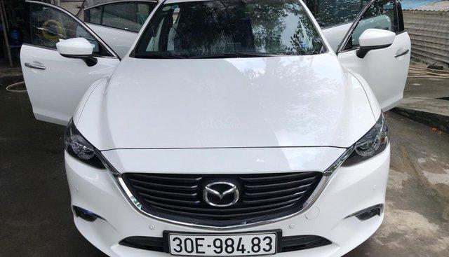 Bán xe Mazda 6 2.5 Premium 2017, màu trắng
