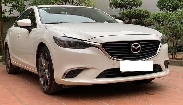 Cần bán lại xe Mazda 6 2.0 Premium đời 2018, màu trắng