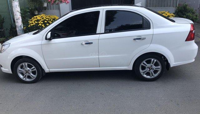 Cần bán xe Chevrolet Aveo 2017 số sàn, màu trắng