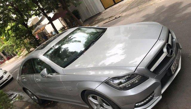 Bán xe Mercedes CLS350 2013, màu bạc, xe nhập