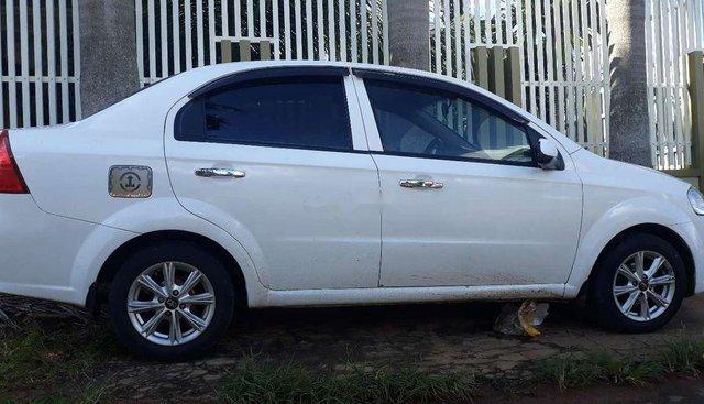 Bán Daewoo Gentra sản xuất 2008, màu trắng xe gia đình, giá tốt