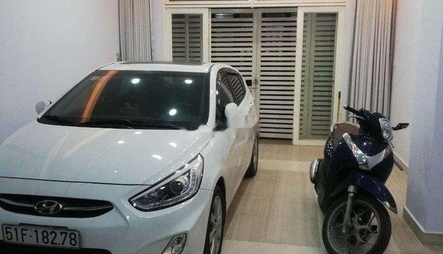 Bán xe Hyundai Accent 2015, màu trắng, xe nhập số sàn
