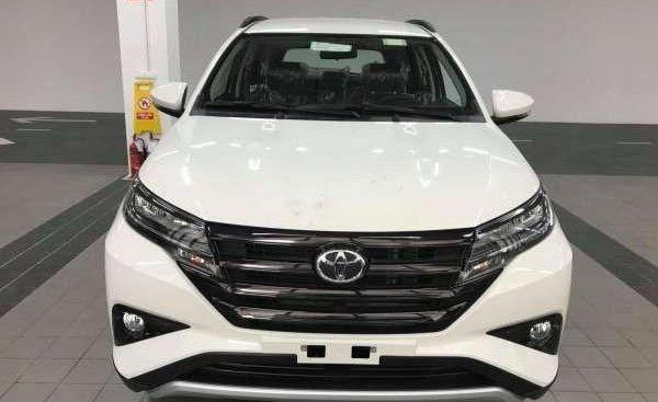 Cần bán xe Toyota Rush 2019, màu trắng, xe nhập, giá 668tr