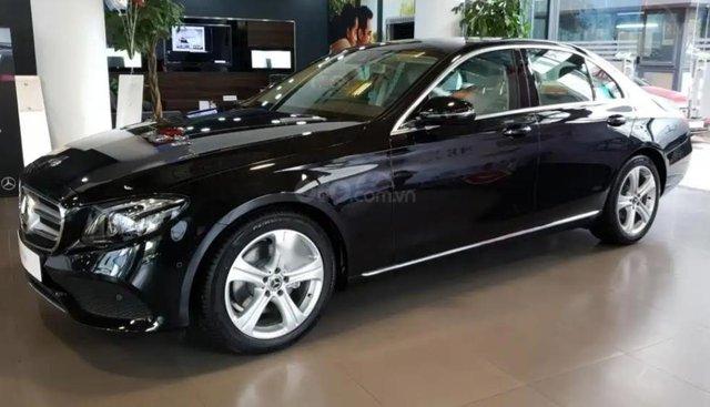Cần bán Mercedes E250 sản xuất 2014, mới 99%, xuất hoá đơn VAT