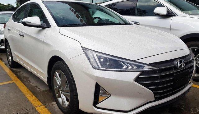 Hyundai Cẩm Lệ - Hyundai Elantra 2019, màu trắng, giá tốt, xe giao ngay