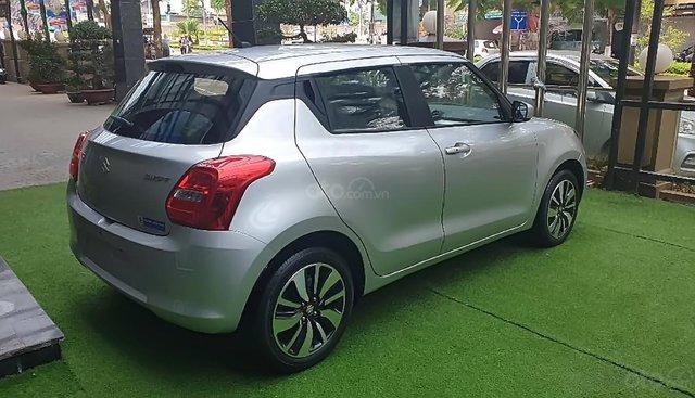 Cần bán xe Suzuki Swift GLX 1.2 AT 2019, màu bạc, nhập khẩu