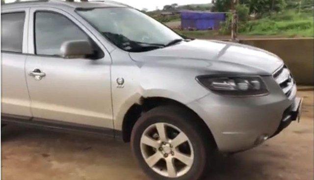 Cần bán xe Hyundai Santa Fe đời 2011, màu bạc, giá tốt