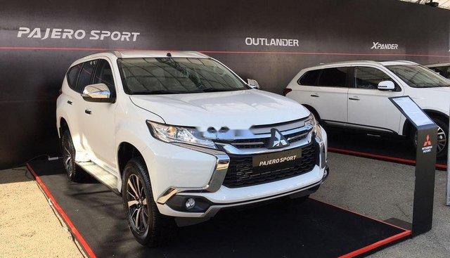 Bán Mitsubishi Pajero Sport năm sản xuất 2019, màu trắng, nhập khẩu Thái, giá 887tr