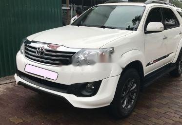Chính chủ bán Toyota Fortuner TRD Sportivo đời 2014, màu trắng