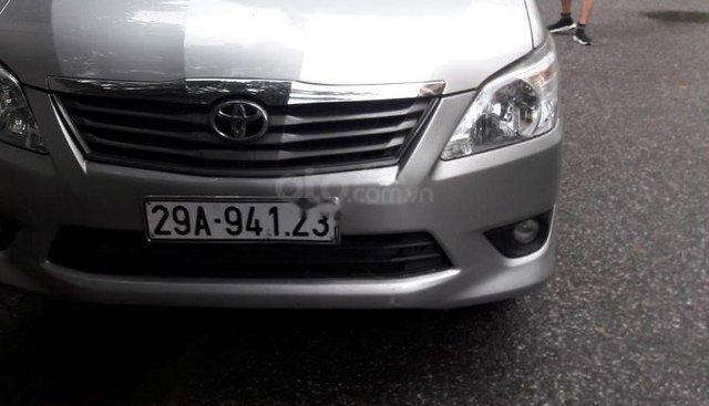 Bán Toyota Innova G 2013, màu bạc chính chủ