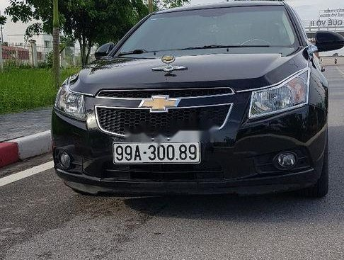 Cần bán gấp Chevrolet Cruze 2011, màu đen, 1 chủ