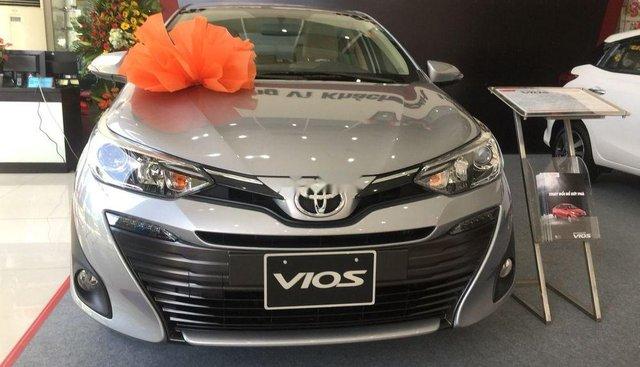 Bán xe Toyota Vios 2019, màu bạc
