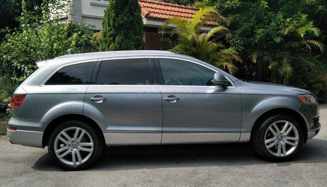 Bán Audi Q7 4.2AT nhập khẩu Đức, SX 2008, chính chủ từ mới tôi con gái sử dụng ít, nên xe còn rất đẹp và mới 95%