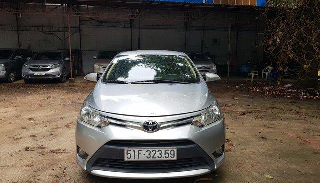 Bán xe Toyota Vios 1.5E năm 2015, màu bạc xe gia đình, 405 triệu