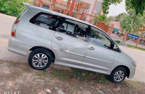 Bán xe cũ Toyota Innova năm sản xuất 2015, màu bạc