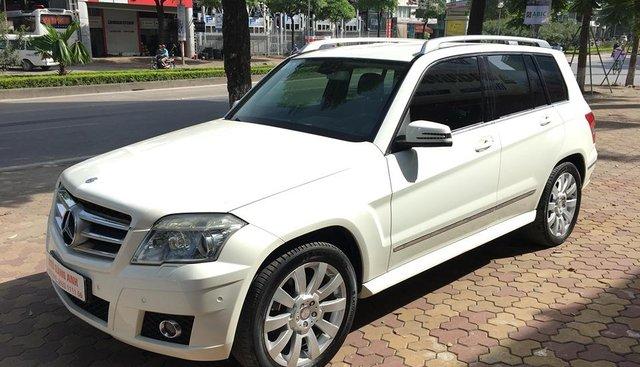 Cần bán gấp Mercedes năm sản xuất 2009, màu trắng