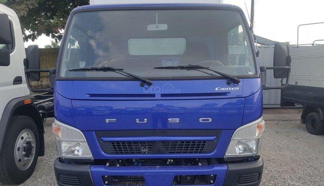 Xe tải Nhật Bản Mitsubishi Fuso Canter 6.5 thùng kín - 3,4 tấn trả góp 80%