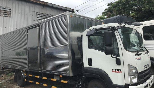 Bán xe Isuzu FRR 6T thùng dài 6m2, giá rẻ có sẵn giao ngay, hàng tồn giảm giá hot cho tháng 8